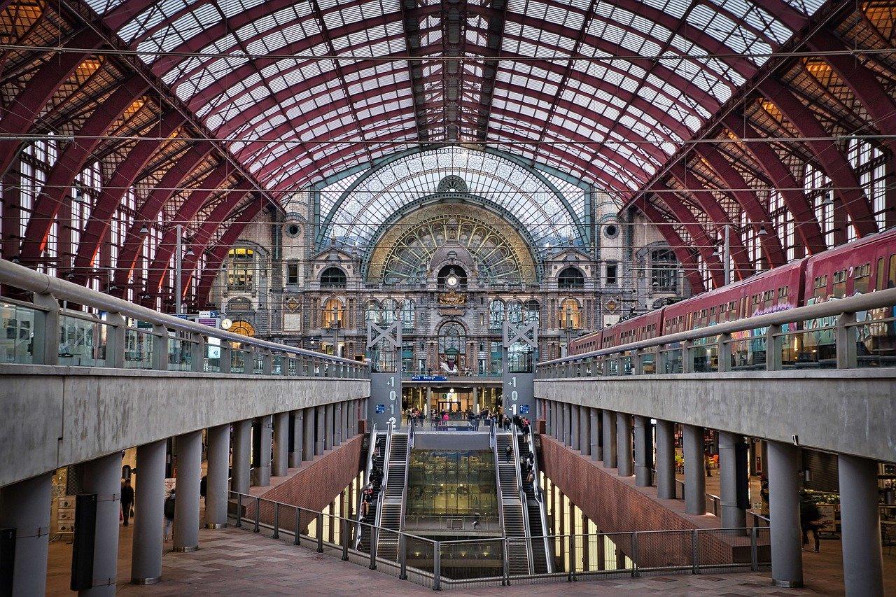 магдебург железнодорожный вокзал фото каждого человека